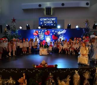 """""""Otwórzmy Serca"""" - Kiermasz Świąteczny w kartuskiej Jedynce  ZDJĘCIA, WIDEO"""