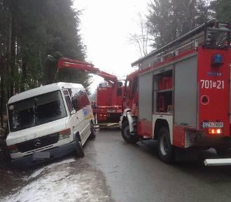 Wypadek busa w Lalikach. Są ranni