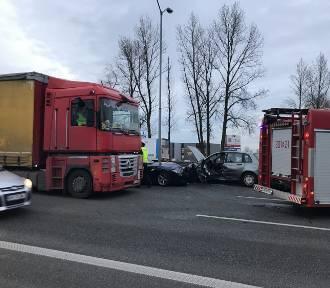 Katowice: Wypadek na DK 86. Zderzyły się trzy pojazdy [ZDJĘCIA]