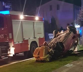 Dąbrowa Górnicza: Na Alei Majakowskiego dachował samochód [ZDJĘCIA]