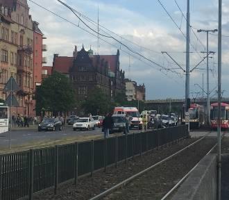 Kolizja trzech samochodów przy ul. Okopowej w Gdańsku [ZDJĘCIA, WIDEO]