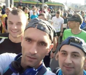 Biegacze z powiatu chodzieskiego pobiegli w maratonie w Poznaniu