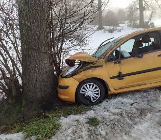 Groźny wypadek w regionie. Kobieta trafiła do szpitala
