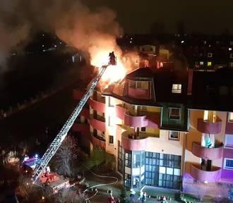 Wrocław. Wielki pożar w bloku przy ul. Jaracza [ZOBACZ ZDJĘCIA]