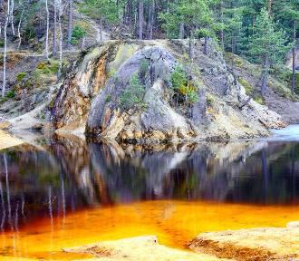 Niezwykłe jeziorka mniej niż godzinę drogi od Legnicy. Byliście tam?