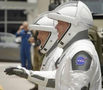 Wstrzymano start astronautów. W obawie przed piorunem