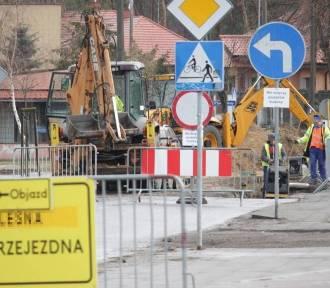 Utrudnienia w ruchu drogowym we Włocławku: zwężenia jezdni i chodników. Zamknięcia ulic [7 czerwca