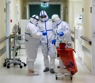 Koronawirus. Najmniej nowych zakażeń od marca ubiegłego roku