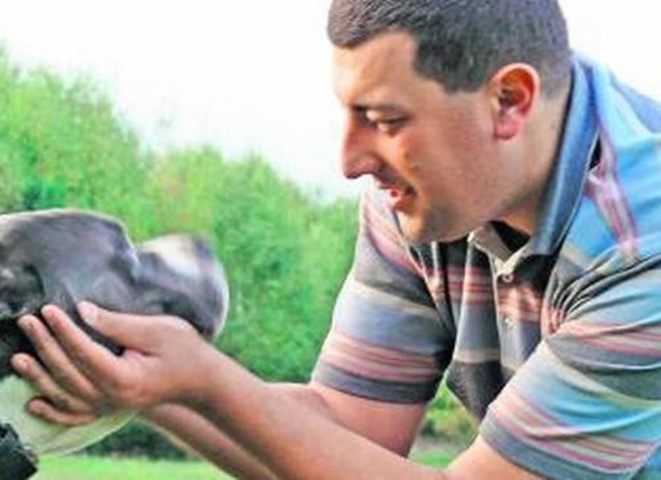 Grzegorz Bielawski – ratuje zwierzęta, dokumentuje ich cierpienie, a katów stawia przed sądem