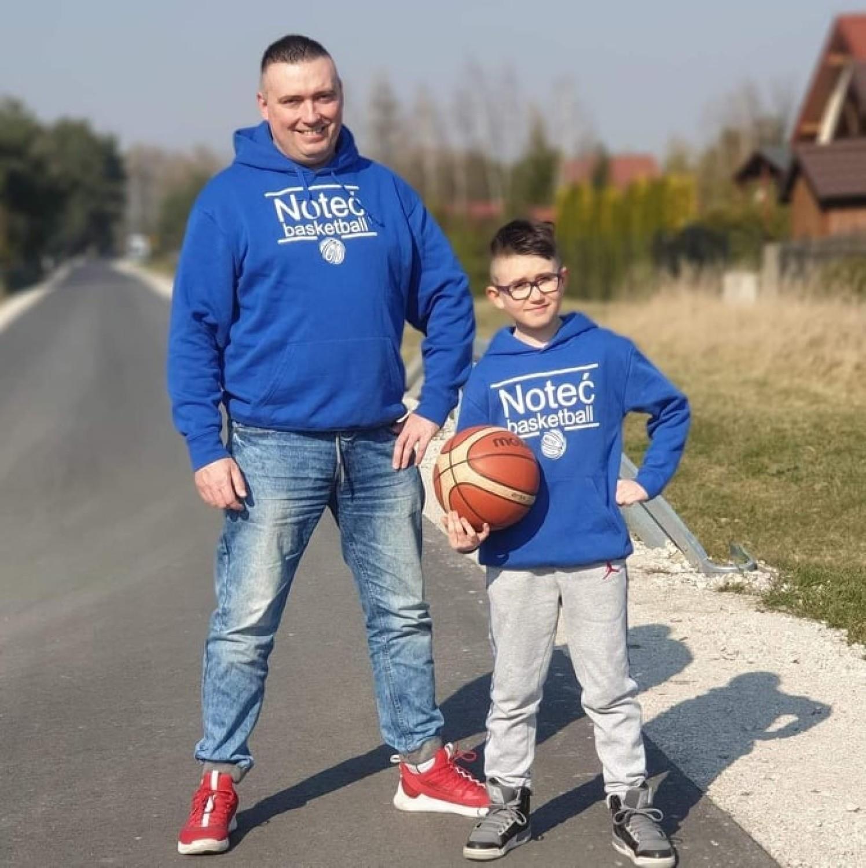 Massey Damian Laskowski nagrał utwór dla Noteci Inowrocław