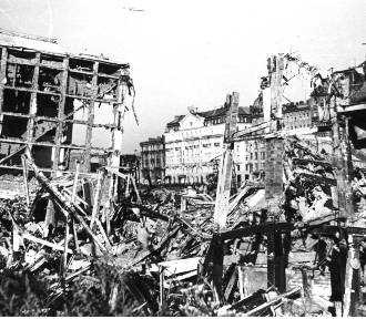 """W najsmutniejszym z polskich miast. Historia """"Kolędy warszawskiej 1939"""""""