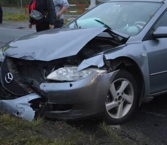 Wypadek na skrzyżowaniu w Porębach (gmina Bełchatów)