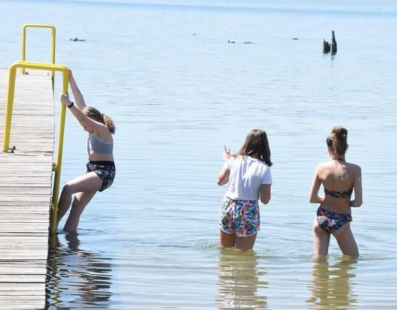[b]Trwają przygotowania do oficjalnego uruchomienia plaży. Ponadto na kąpielisko miejskie w Wilkowie dojedziemy nowo wybudowana drogą gminną [/b]