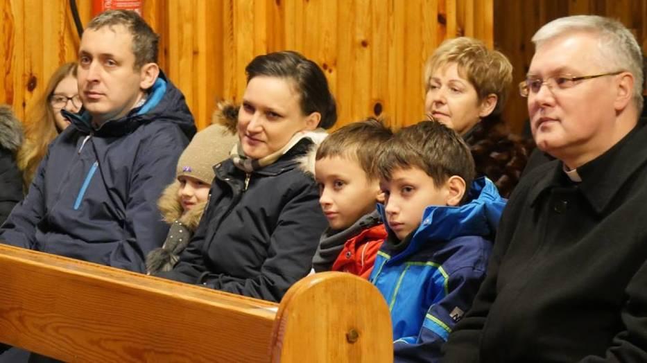 Koncert kolęd w wykonaniu góralskiej kapeli w Chabielicach
