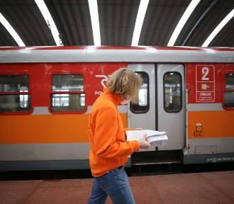 Informatorzy przypominają o zmianie rozkładu jazdy pociągów PKP Intercity
