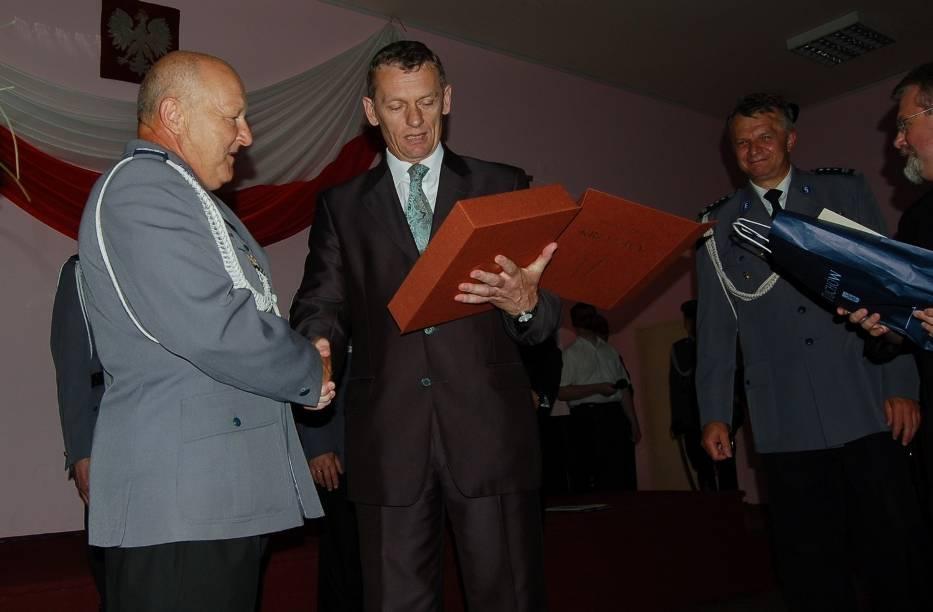 Po 33 latach z pracą w tarnowskiej komendzie pożegnał się insp
