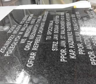 Odsłonięcie tablicy dla polskich żołnierzy poległych pod Kraśnikiem. Program uroczystości