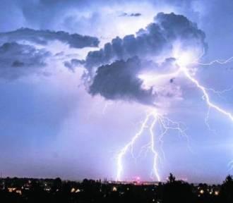 UWAGA! Meteorolodzy ostrzegają przed burzami z gradem