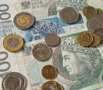 Zarobki w Podlaskiem w październiku 2019. Ile płacą w branżach?