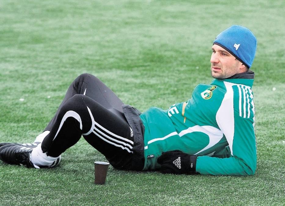 Piłkarze GKS-u wolą podgrzaną murawę w Kleszczowie niż swoje sztuczne boisko