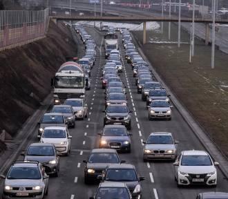 Unikaj tych tras! Najbardziej zakorkowane drogi w Polsce w święta