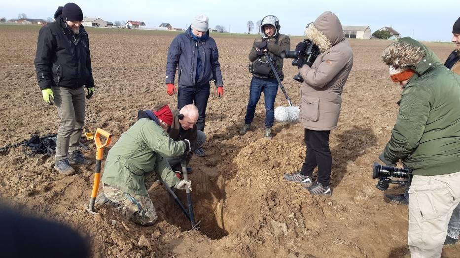Szukali pod Kaliszem strąconych przez Wojsko Polskie samolotów Luftwaffe