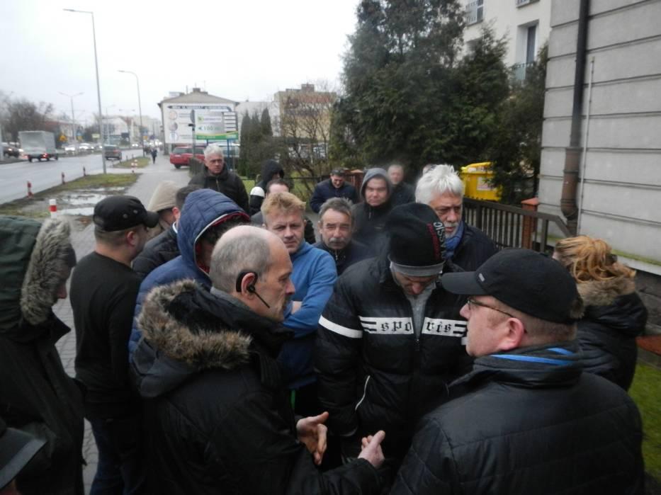 Protest przed siedzibą GDDKiA w Bydgoszczy