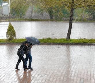 Deszczowy dzień i noc w Nysie. Meteorolodzy wydali ostrzeżenie pogodowe