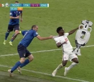 Najlepsze memy po finale Włochy - Anglia. Giorgio Chiellini nie oddał pucharu GALERIA