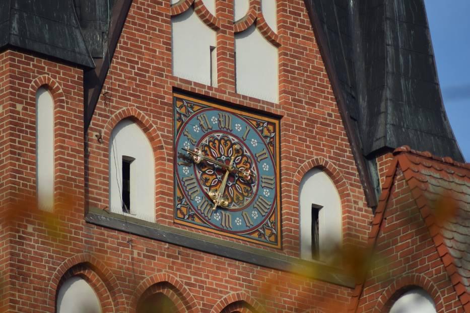 W zeszłym roku parafia Mariacka sama odnowiła jedną z tarcz zegarowych, teraz jest pomysł do BO, aby z niego sfinansować renowację pozostałych