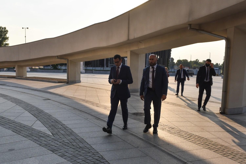 Park Pamięci w Toruniu u o. Tadeusza Rydzyka otwarty. Obecni m.in. premier Mateusz Morawiecki i Jarosław Kaczyński ZDJĘCIA [9.08]