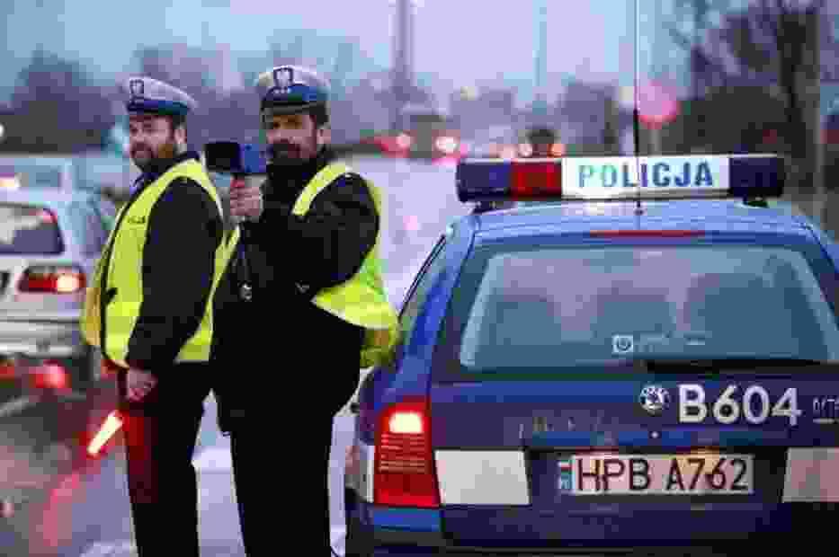 Policjanci kontrolowali ciężarówki i autobusy