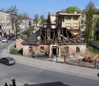 Urokliwy dworek w centrum Tarnowa jednak podniesie się z ruin [ZDJĘCIA]