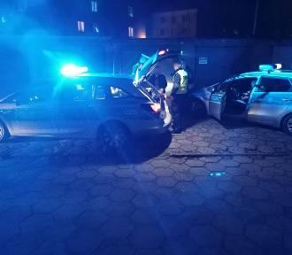 Policja w Kaliszu zatrzymała pijanego kierowcę. Wcześniej spowodował kolizję. ZDJĘCIA