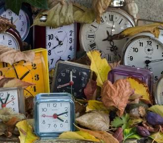 Zmiana czasu 2017 na zimowy. Śpimy dłużej. Kiedy przestawiamy zegarki?