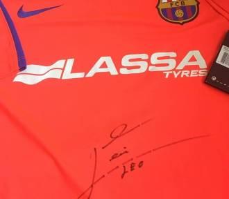 Licytuj koszulkę z podpisem Messiego i pomóż zebrać pieniądze dla chorej Kasi