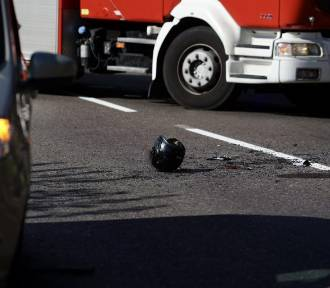 Wypadek na ulicy Kościuszki w Gdańsku. Motocyklista zderzył się z samochodem osobowym