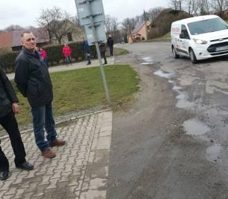 Umowa ze Strabagiem na drogę w Niwkach Kraszowskich. Berger Bau najkorzystniejsza dla Dalborowic