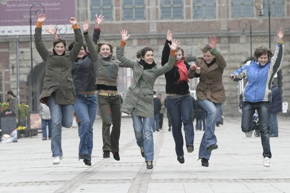 Uczennice gimnazjum w Jastarni - zdjęcie ilustracyjne