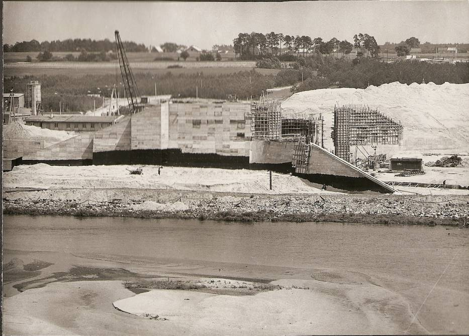 Budowa i oddanie do użytku Zalewu Sulejowskiego