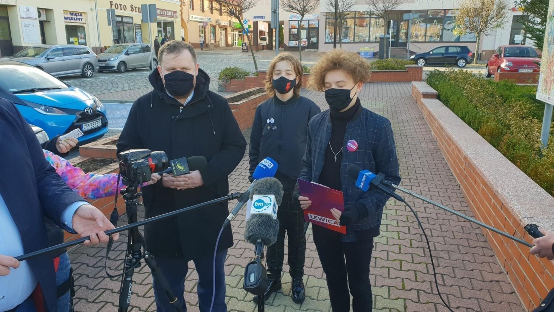 Maciej Rauhut z Krapkowic twierdzi, że działania policji mają na celu go zastraszyć