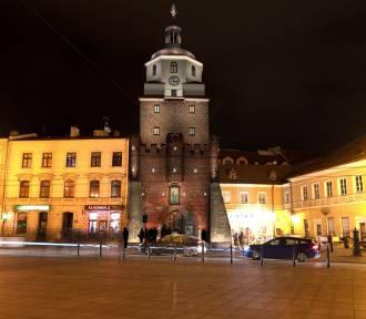 Brama Krakowska dostanie nową iluminację. Sterowaną przez FB
