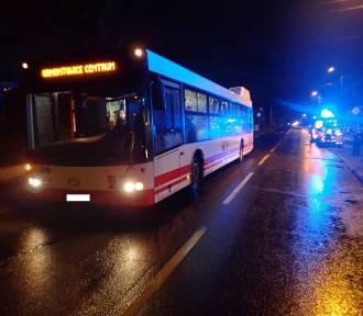 Potrącenie pieszego w Czerwionce-Leszczynach: 15-latek wybiegł zza autobusu wprost pod auto!