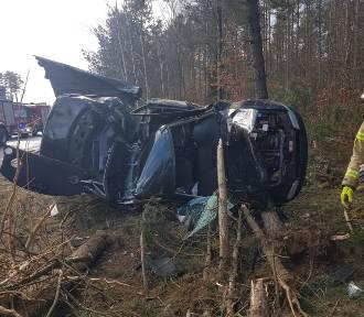 20-latek rozbił auto na drodze między Bochowem a Rokitami
