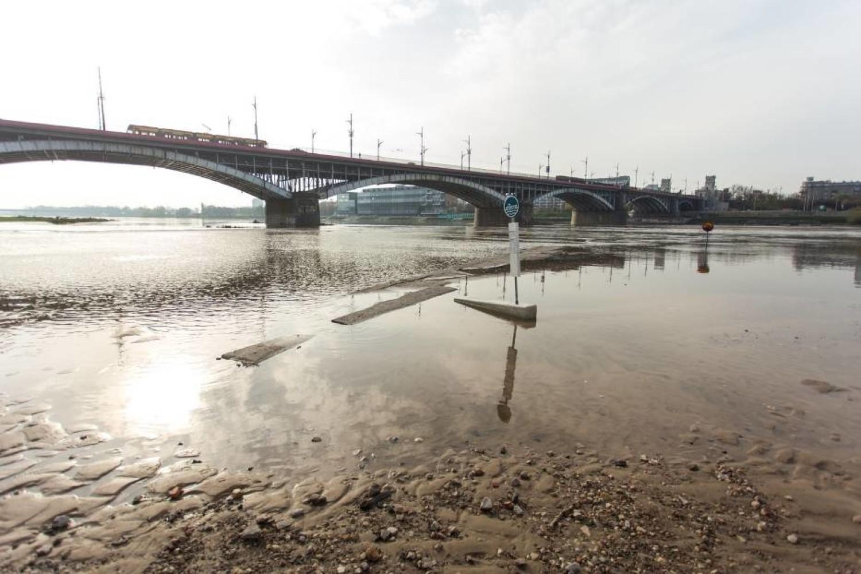 Most Poniatowskiego pod lupą. Policjanci kontrolują kierowców i wlepiają mandaty
