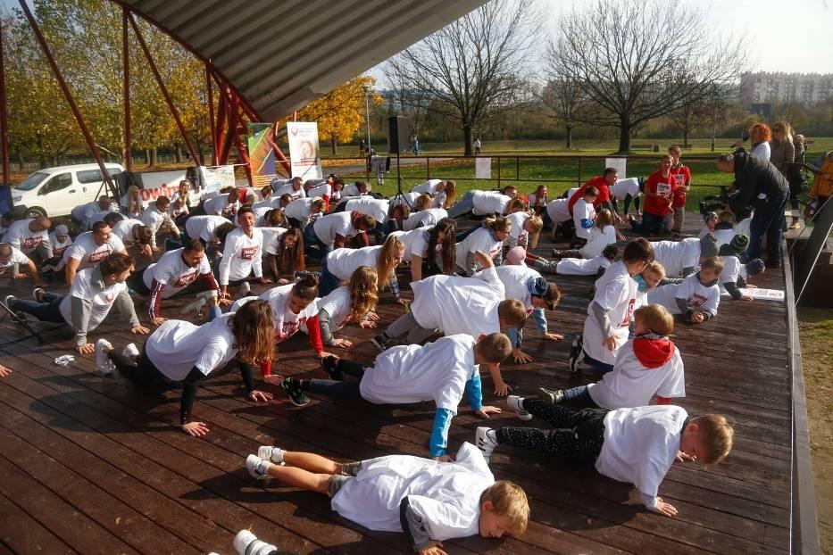 W sobotę na rzeszowskich bulwarach pobito rekord Polski w jednoczesnym robieniu pompek