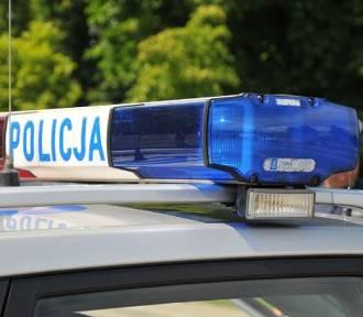 Potrącenie rowerzysty w Budzyniu. Cofające auto najechało na 11-latka na parkingu