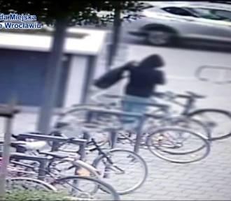 Wrocław: Złodziej ukradł 4 rowery. Nagrał go monitoring [FILM]