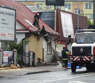 Wypadek w Sokółce. Budynek, w który wjechał wóz straży pożarnej, nie nadaje się do zamieszkania