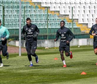 Piłkarze Lechii wrócili już do treningów [zdjęcia]